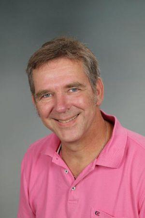 Herr Kröger; kroeger@kgs-neustadt.org