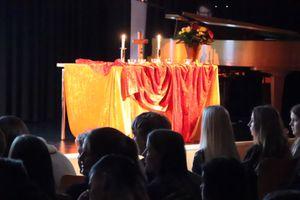 Der festliche Altarbereich