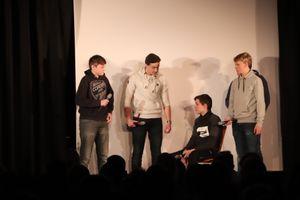 Schüler der 9G1 beim Anspiel: Jan Fiete Hakmann, Leo Ernst, Lennart Barth, Levi Buchwald (verdeckt: Niclas Dannenbring)