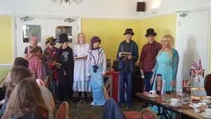 Wir erleben eine Tea Ceremony mit Lady Rebecca.