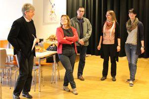 Herr Dowerk begrüßt gemeinsam mit Frau Deister und Frau Wille die französischen Gäste mit ihren Begleitlehrkräften Giselinde Clerc und Thierry Pellard