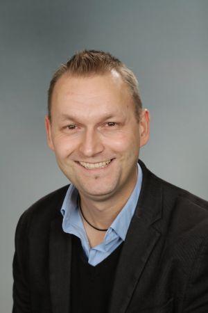 Herr Dittmann; dittmann@kgs-neustadt.org