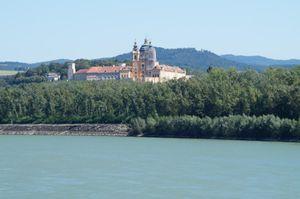 Wanderung zum Kloster Melk entlang der Donau