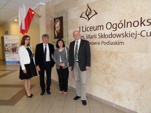 Die beiden Deutschlehrerinnen Monika Jeżowska (links) und Wiesławę Witkowską mit den KGS Vertretern Tobias Hunfeld und Herwig Dowerk.